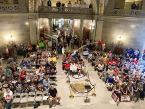 Missouri businesses, protesters slam Biden's vaccine mandate